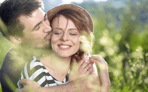 """[キスする合図、キスしてもOKサイン] 男子・女子からのキスしたい合図&サイン「彼氏&彼女のキスしてOKの合図!キスした時に送る""""キスしての合図""""を見逃すな!」"""