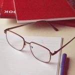 【老眼鏡/平均年齢】何歳から?老眼になりやすい人の特徴&生活習慣「30代から老眼!?境目に老眼が始まる年齢は、45歳が境目、老眼予防と治る方法」