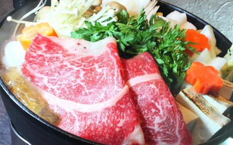 【すき焼き/中身の具材ランキング】人気1位のすき焼きの食材、好きなすき焼きの具ランキング「トップは定番の牛肉!2位ネギ、3位は、焼き豆腐!?すき焼きに欠かせない具材を徹底解説」