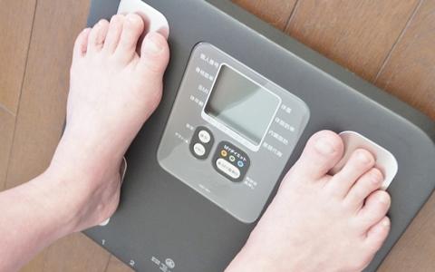 【体重51kg/女性の体型】体重51kgに合う身長、標準体重&美容体重、モデル体重は?「女子の体重は50キロ!?1キロ太っちゃったけど、ダイエットした方がいいの!?」