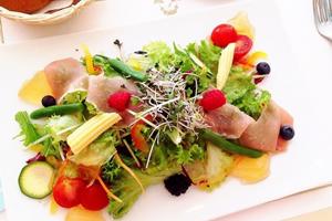 カレーライスに合うサラダ、付け合わせの献立レシピ