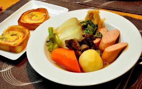 ハンバーグに合うスープ、付け合わせの献立レシピ
