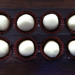 【ホワイトデー/ホワイトチョコ/お返しの意味】バレンタインのお返しに、ホワイトチョコを渡す男子の本音ホワイトチョコは、純白&ピュアでロマンチックな恋を希望!?板チョコなら、相性ぴったりの板に付く関係!?」