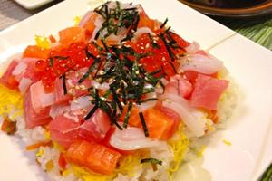 マグロとちらし寿司