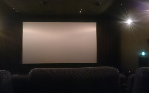 映画館デートで成功するデートプラン、映画館デートで手をつなぐ方法