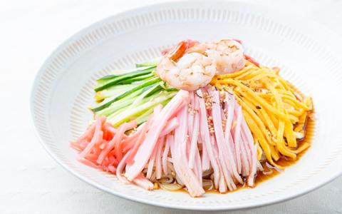 【冷やし中華/付け合わせ/献立】人気・定番・簡単!冷やし中華に合う料理とレシピ、おかずの副菜特集「冷やし中華の献立に、もう1品!何を付け加える?冷やし中華と夕飯の献立・副菜」