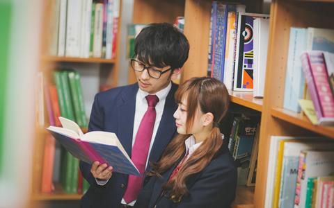 中学生や高校生、大学生で彼氏、彼女がいる事がバレる人の特徴