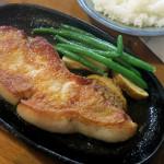 【ポークソテー/付け合わせ/献立】人気・定番・簡単!ポークソテーに合う料理とレシピ、おかずの副菜特集「ポークソテーの献立に、もう1品!何を付け加える?ポークソテーと夕飯の献立・副菜」