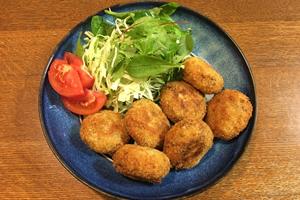 野菜とコロッケ