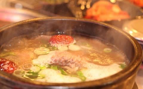 [カルビタンの付け合わせ、おかず&献立] カルビタンに合うおかず、もう1品の献立!おすすめ!定番・人気・簡単レシピ!カルビタンに合う料理&おかず!韓国の人気スープ!カルビタンに、もう1品!何を付け加える?カルビタンと夕飯の献立・副菜」
