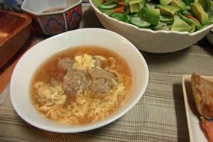 中華スープの付け合わせ。コーンたっぷり中華スープに、もう1品!おすすめ!定番・人気・簡単レシピ
