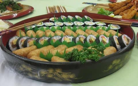 助六寿司の付け合わせ、献立。助六寿司に、もう1品!おすすめ!定番・人気・簡単レシピ