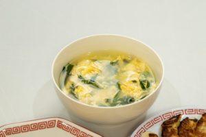 ニラと卵の中華スープ