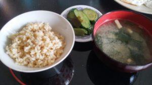 ご飯、味噌汁、漬物