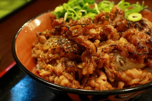 【カルビ丼/おかず、献立&副菜の付け合わせ】定番・人気・簡単レシピ!カルビ丼に合う料理&おかず、おすすめの副菜「もう1品のナムル、ホットもやしの夕飯&お昼ご飯」