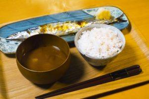 秋刀魚の塩焼きと献立、付け合わせのおかず
