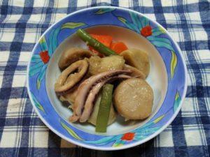 里芋のイカの煮物