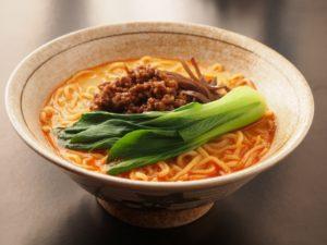 坦々麺と青梗菜