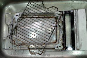 魚焼き用グリル(網、受け皿)の掃除