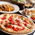 【クリスマス・ピザに合う料理の献立、付け合わせ】簡単!クリスマスらしくなる夕食&ディナー「付け合わせをクリスマスカラーにするのが、ポイント」
