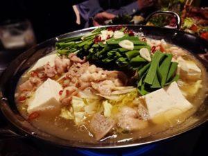 絹ごし豆腐ともつ鍋