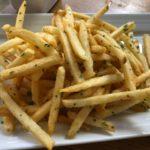 【フライドポテトに合う調味料ランキング】味比べするフライドポテトの食べ方「好きなフライドポテトは、ケチャップ派?それとも、マヨネーズ派?」