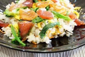 子供が好きなサーモン、マグロのちらし寿司