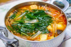 キムチ鍋の日持ち、スープ&残りの具材。常温・冷蔵・冷凍保存の賞味期限は?