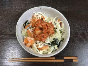 もやし副菜と「キムチ」:モヤシとキムチのサラダ風小鉢