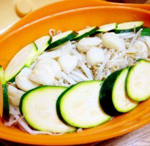 もやし副菜と「ズッキーニ」:モヤシの蒸し野菜
