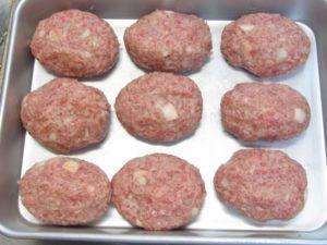 タネの日持ち:ハンバーグのタネ(ひき肉)は常温NG、冷蔵1日