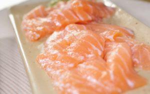海鮮しゃぶしゃぶの魚:とろサーモン