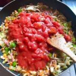 自家製トマトソースの作り置き、手作りの日持ちは?~常温・冷蔵庫・冷凍の賞味期限~市販のパウチタイプ・トマト缶、瓶詰の日持ち~