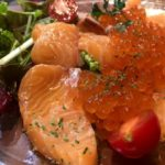 【サーモンのカルパッチョの人気レシピ】簡単アレンジの具トッピング&ソースの味付け~カルパッチョを美味しくする方法~